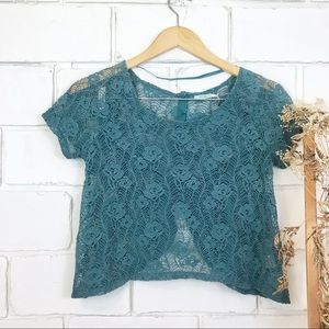 UO Kimchi Blue Crochet Knit Crop Top xs